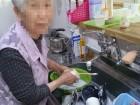 主婦ですから食器洗いは得意よ(^_-)-☆