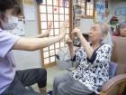 「ワンツーパンチ!!」力加減を調整しながら腕の運動を行いました(^o^)/