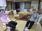 新聞紙を使った体操に参加されました!☆