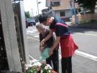 利用者様と一緒に花の水やりをしました☆彡
