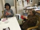 折り紙でバラ作ってます。( ^^) _U~~