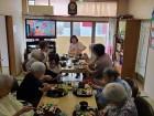 皆でお寿司を食べました♪!(#^.^#)