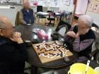 男同士で囲碁の真剣勝負!午後ののんびりとしたひと時です!(^^)!