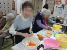 《調理レク》旬のたけのこを使って、ご利用者様に炊き込みご飯を作って頂きました( ^^)