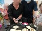 ご利用者様と一緒に梅ヶ枝餅を作って、熱々出来たてをおやつに頂きました!