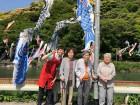 桜橋の鯉のぼりを見に行きました!色とりどりの鯉のぼりの目の前で記念撮影(^^)v