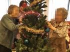 クリスマスツリーを飾り付けて下さいました(* >ω<)