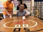 テーブルカーリング  一番高い点数を狙うぞ!